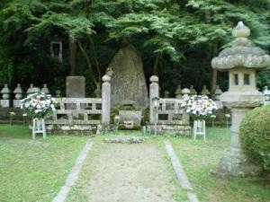 大隣寺 二本松少年隊の墓碑